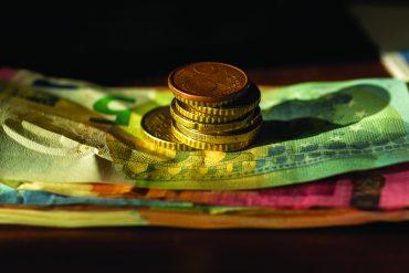 Minimalna pokojninska osnova in minimalna plača za leto 2021